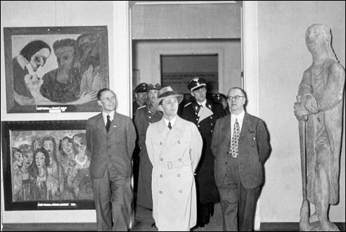 Joseph Goebbels geniet van Entartete Kunst